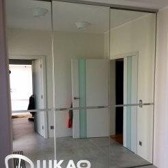 Шкаф-купе трехстворчатый зеркальный