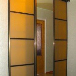 Комбинированный шкаф-купе в спальню