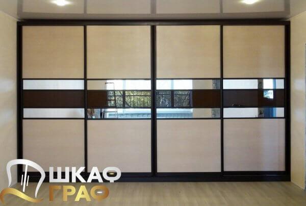 Шкаф-купе четырехстворчатый с комбинированными дверями