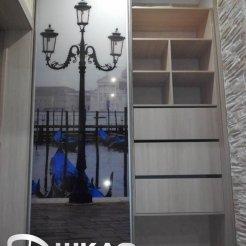 Встроенный шкаф-купе в спальню с фотопечатью венеция