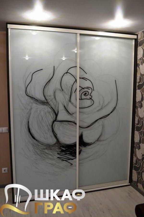 Шкаф-купе для спальни с фотопечатью роза