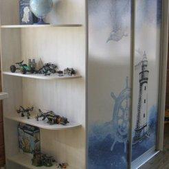 Шкаф-купе в детскую комнату с фотопечатью маяк