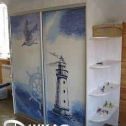 Шкаф-купе в детскую с фотопечатью маяк