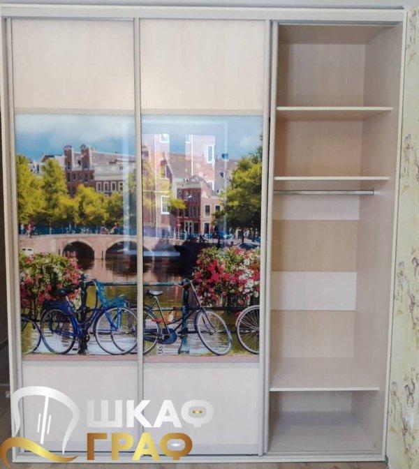 прямой шкаф-купе для спальни с фотопечатью амстердам
