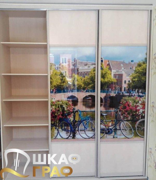 Шкаф-купе в спальню с фотопечатью амстердам