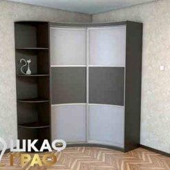 Угловой шкаф-купе с радиусными фасадами в прихожую