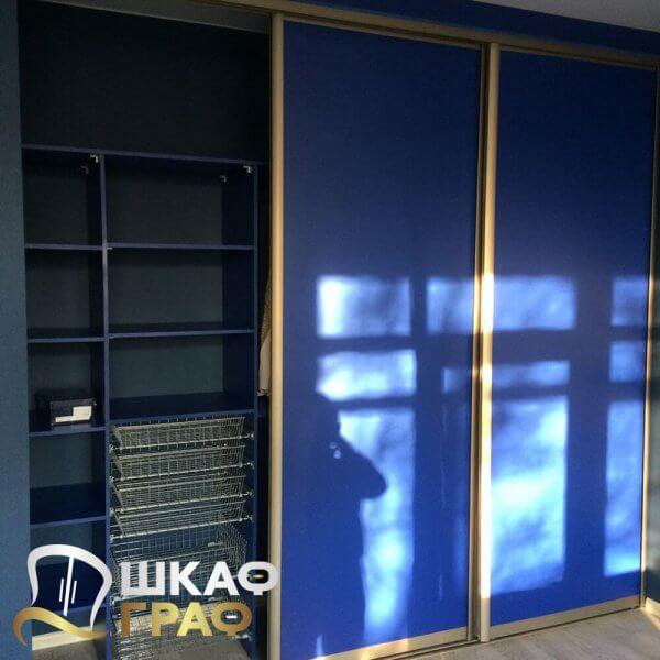 Гардеробная с раздвижными дверьми синего цвета Graf № 87