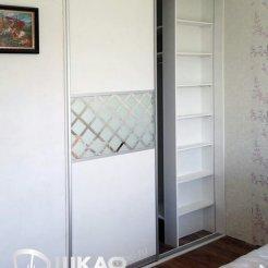 Гардеробная встроенная с раздвижными дверьми Graf № 97