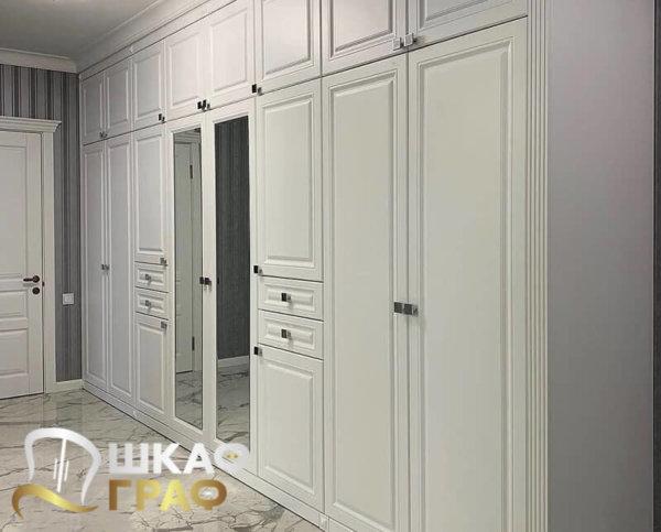 Распашной шкаф белый № 10