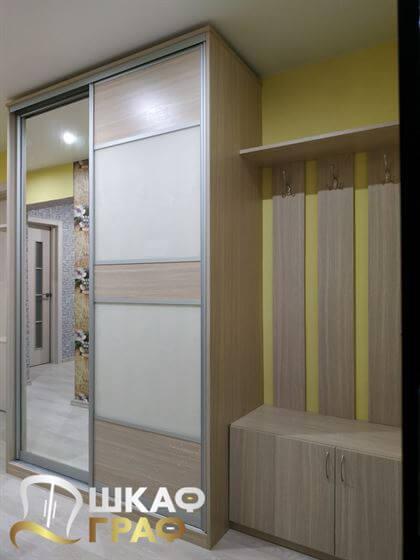 Шкаф-купе в коридор бежевого цвета №258