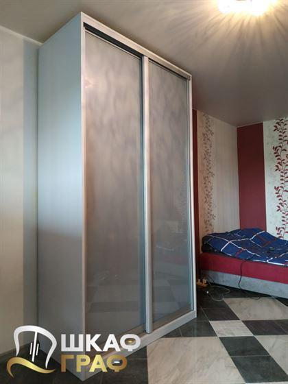 Шкаф-купе линейный в спальню №277