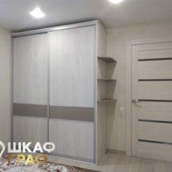 Шкаф-купе цвета сонома в спальню №259