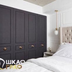 Распашной шкаф тёмного цвета № 24