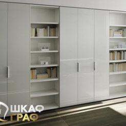 Широкий распашной шкаф белого цвета № 26